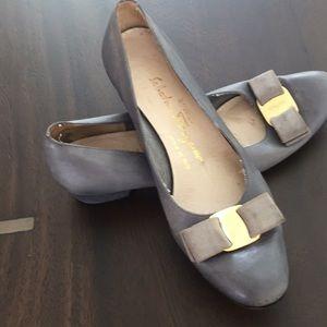Vintage Ferragamo low heels